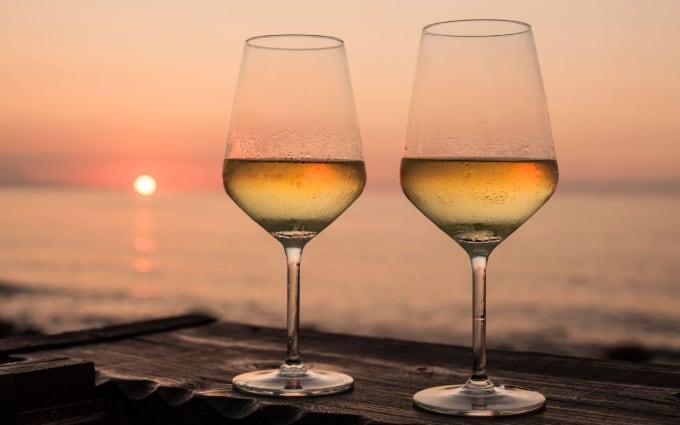 White Wine: 130 - 150 (Per 6 Ounces)