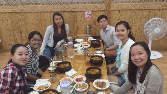 Welcoming fellow Filipino students with a Korean traditional dish called Kamjatang