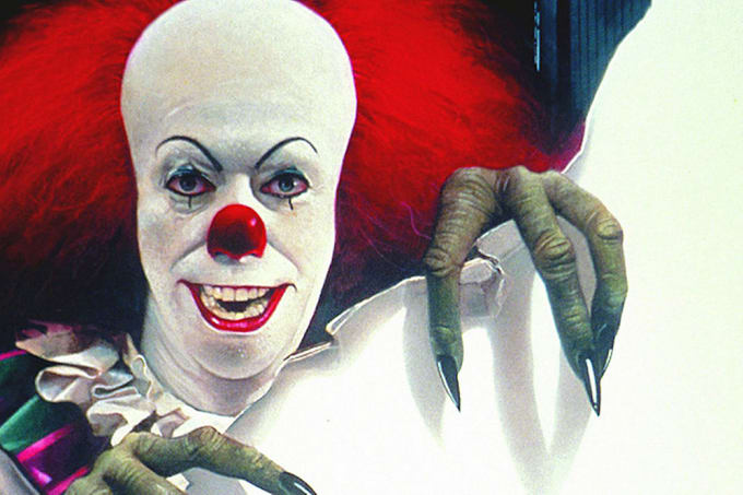 IT: Tim Curry as Pennywise