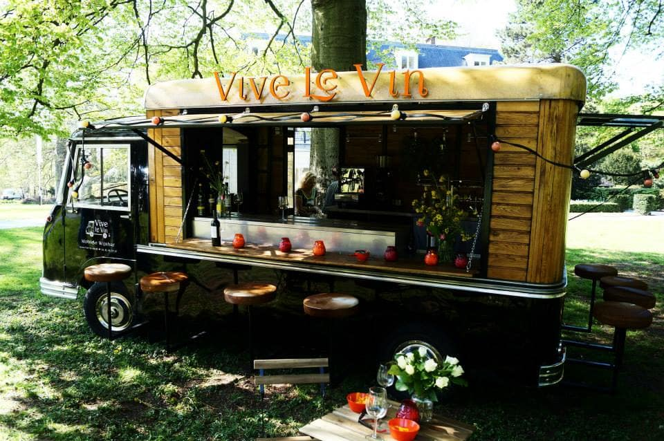 Rise of the mobile wine bar proof for Food truck bar le duc