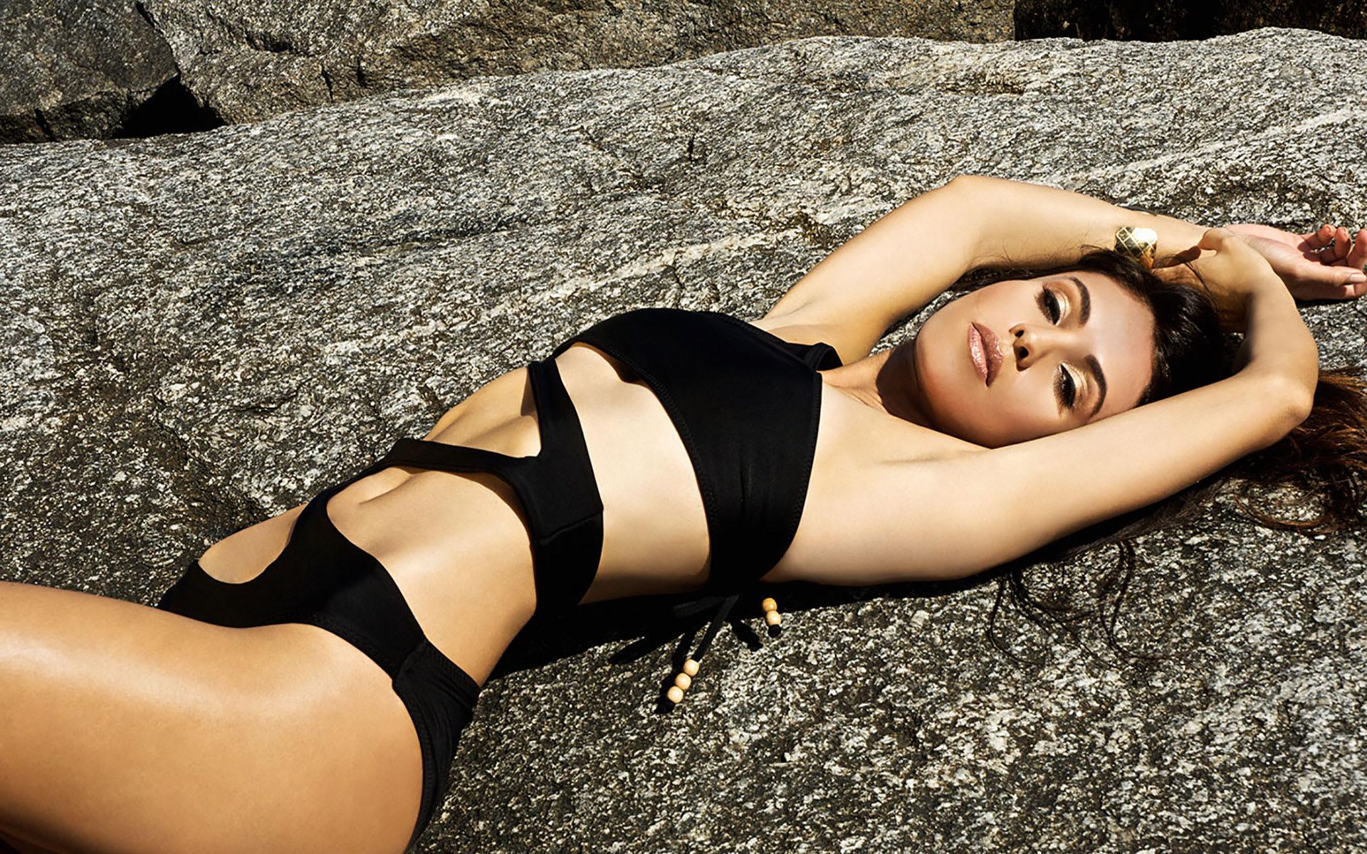 Glamour models ass photos nude pics