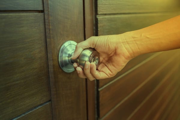 9 Ways You Can Open Your Locked Door Without A Locksmith Lifehack