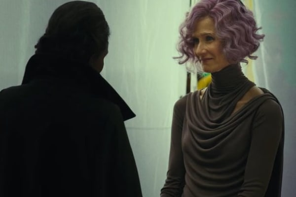 Who Is Vice Admiral Amilyn Holdo In Star Wars The Last Jedi