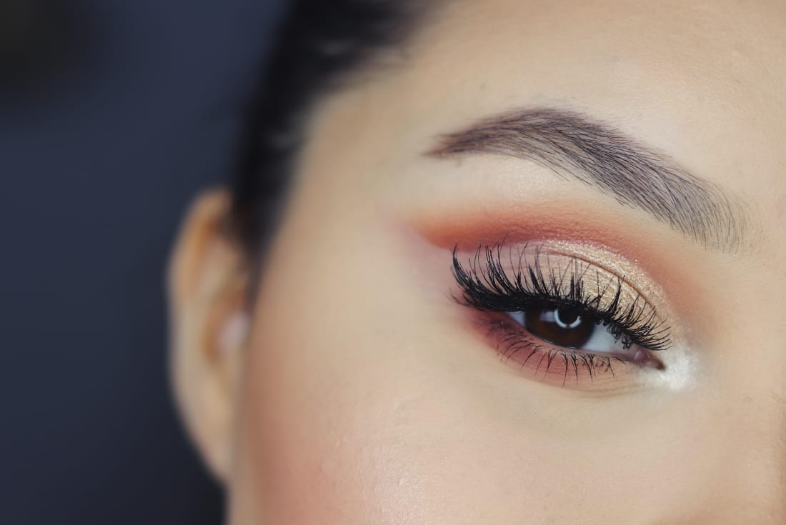 How To Make A Powdered Eyeshadow Stick Blush With Having Clean Brushes Falling Glitter And Other Hazards Of The Powder Its No Wonder So Many People Are Turning