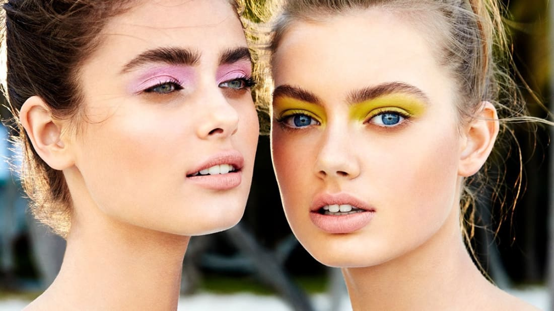 d124f114b Want to know the crazy makeup trends from a decade ago that might be coming  back for good? See if you're pulling off any makeup trends of the 2000s  today ...