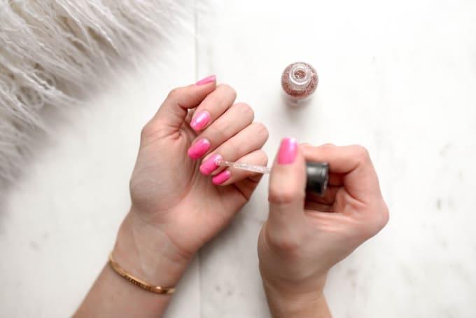Lifehacks For Removing Nail Polish Without Remover Lifehack