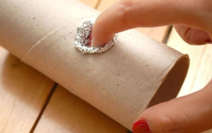 Don't know what to do with your toilet paper roll after all the teepee's been used up? Well, now you know it's among DIY smoking devices and can be made ...