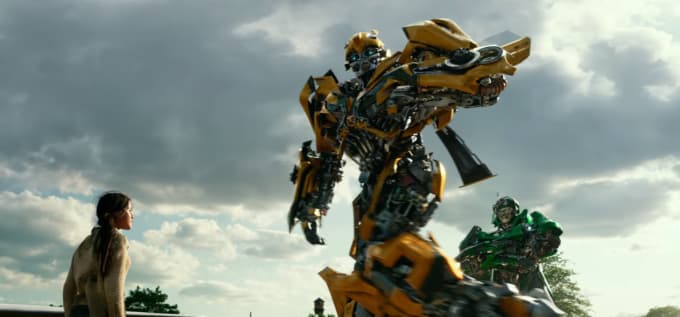 watch bumblebee become the ultimate transformer in new trailer for 39 transformers the last. Black Bedroom Furniture Sets. Home Design Ideas