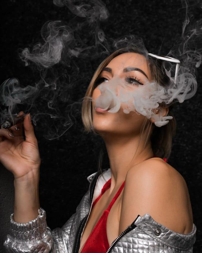 Sexy pot smokers
