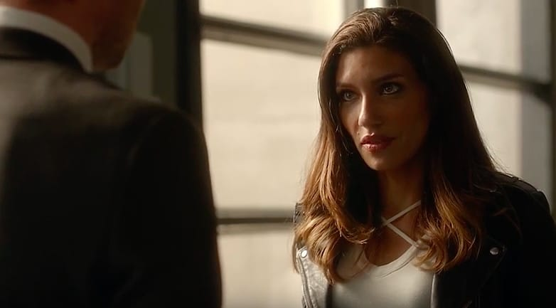 Arrow 3 sezon cupid dating