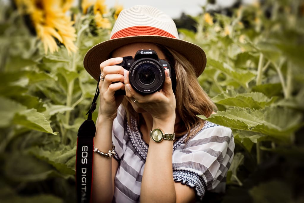 How to Become a Professional Wedding Photographer