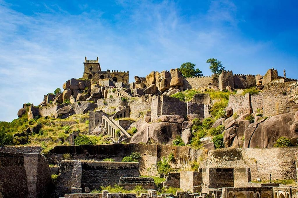 8 Most Important, Historic Tourist Attractions in Hyderabad