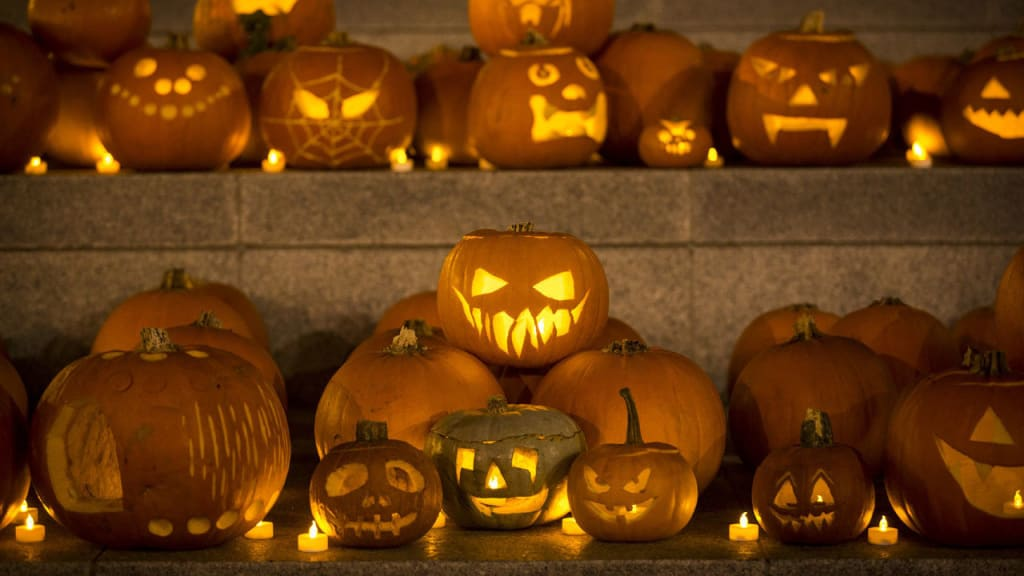 100 Horror Books to Read for the Halloween Season