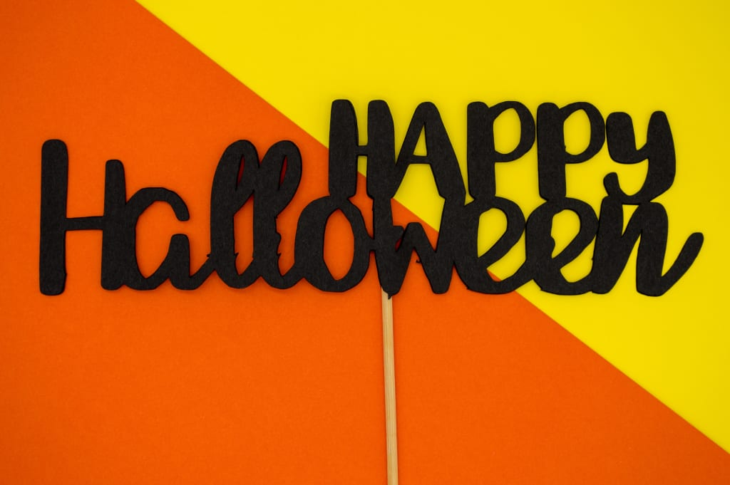 6+ Halloween Costumes You Can DIY in an Hour