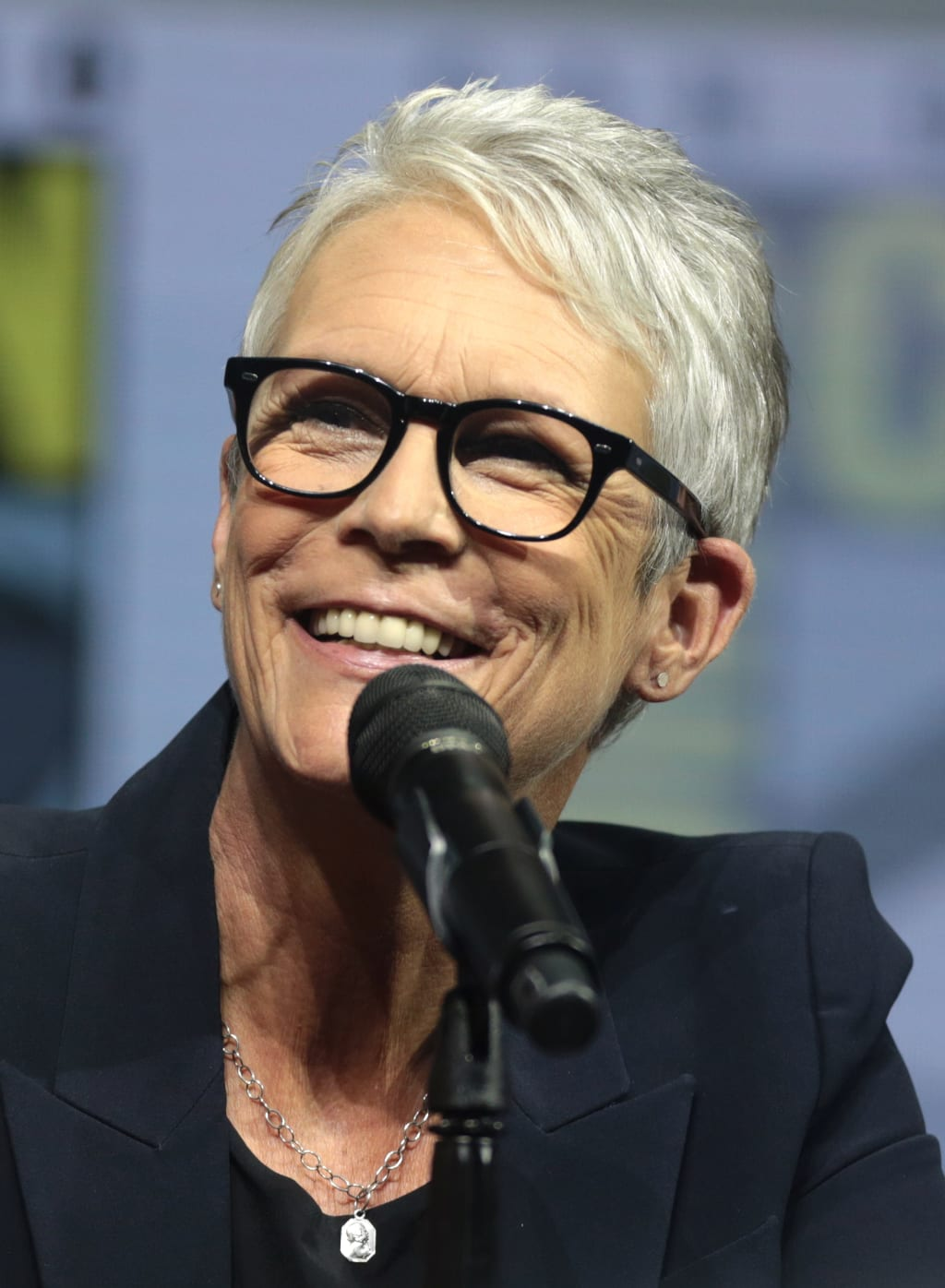 "Jamie Lee Curtis: ""I Bring Sobriety With Me"""