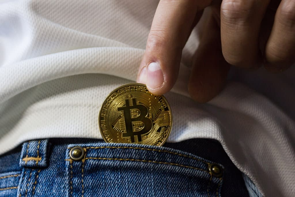 Bitcoin vs E-Wallet vs Credit Cards - Pros and Cons
