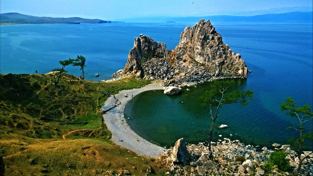 11 Deepest Lakes on Earth