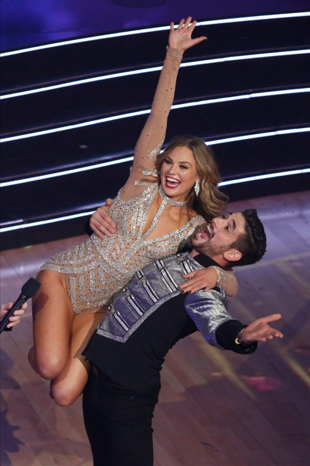 Hannah Brown Wins 'Dancing with the Stars' Season 28