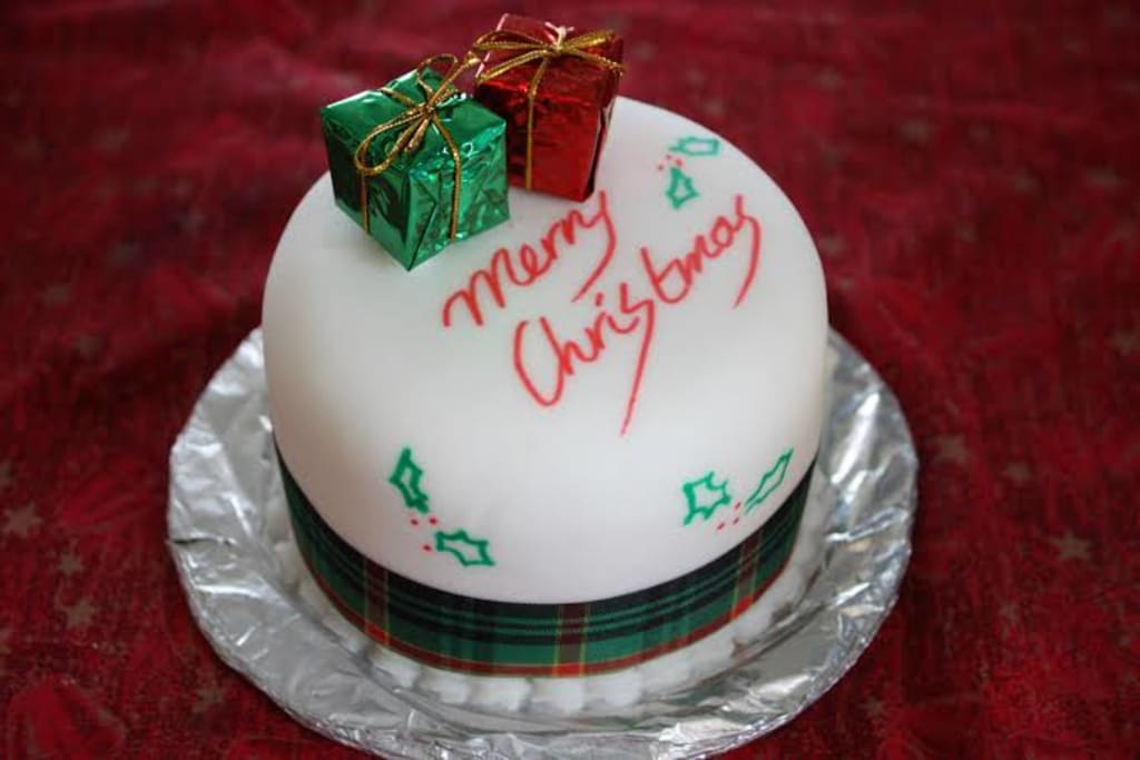 Add Value To This Christmas Eve With Best Cake Themes And Toppers