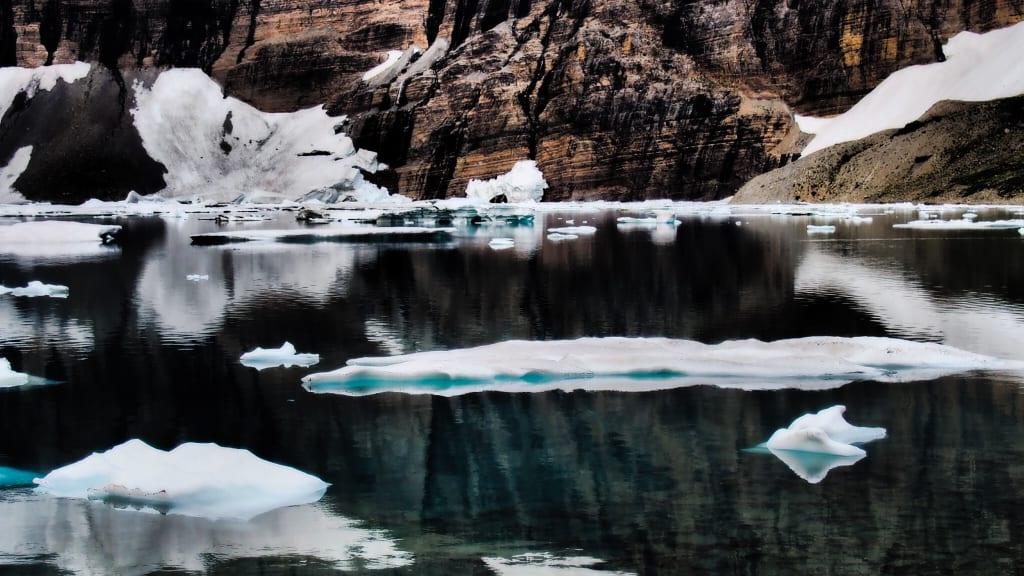 Hiking to scenic Iceberg Lake and Ptarmigan Tunnel