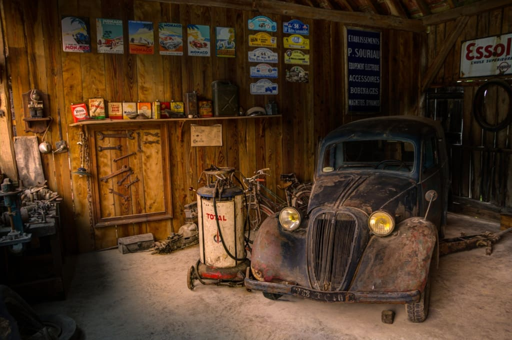 How to Organise Your Garage from Top to Bottom