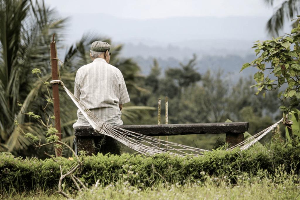 5 Amazing Benefits of CBD Oil for Seniors
