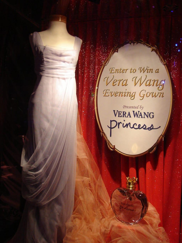 Vera Wang - a short bio