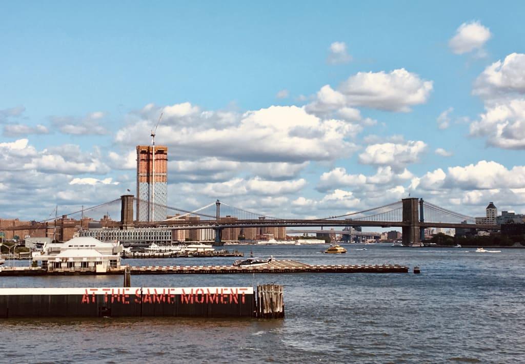 A virtual walk across the Brooklyn Bridge