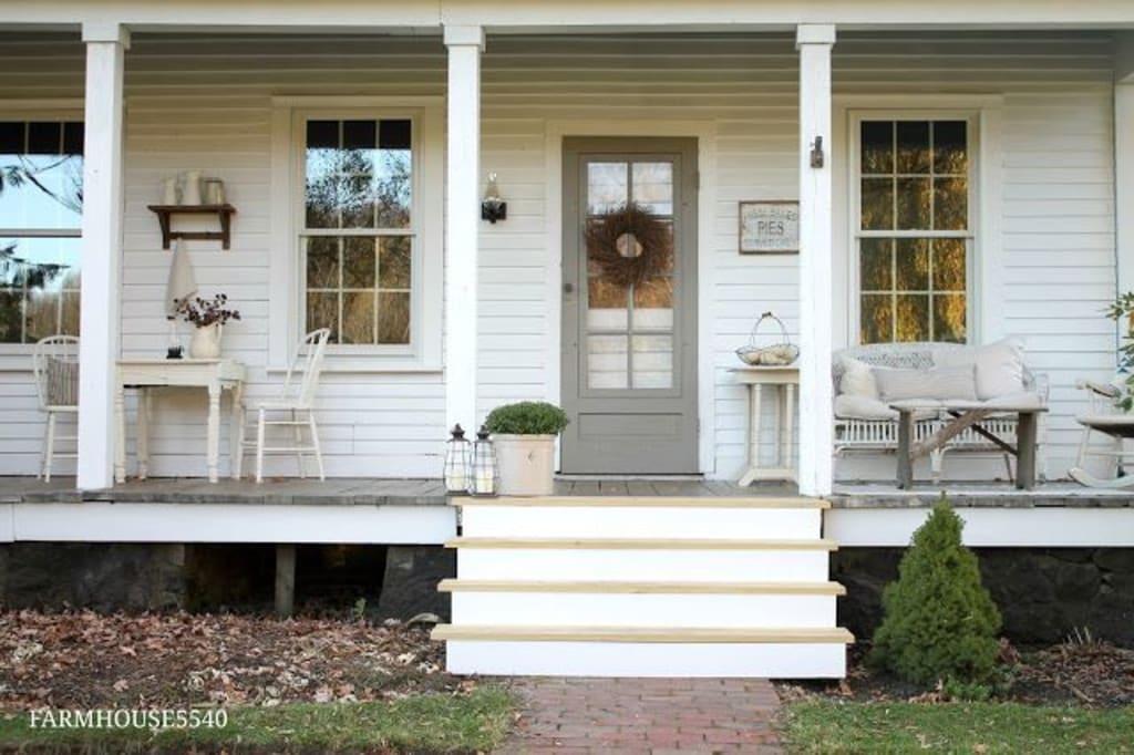 Top 10 Farmhouse Porches!