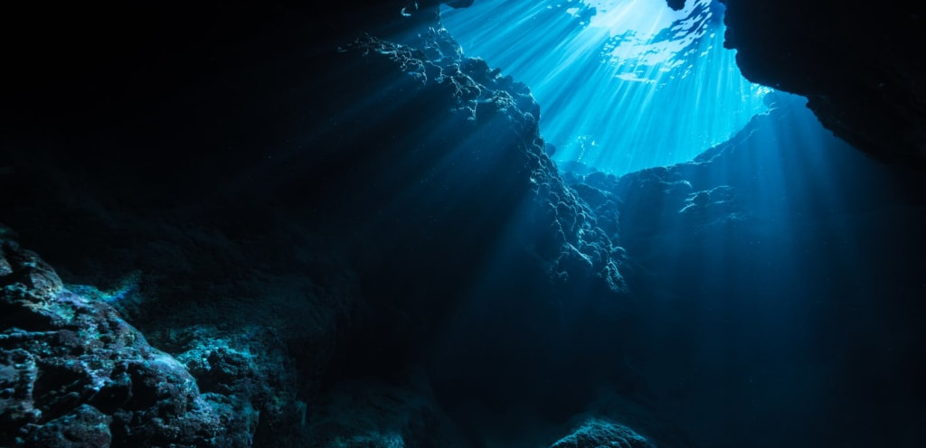 15 Bizarre Underwater Discoveries by Deep Sea Divers!