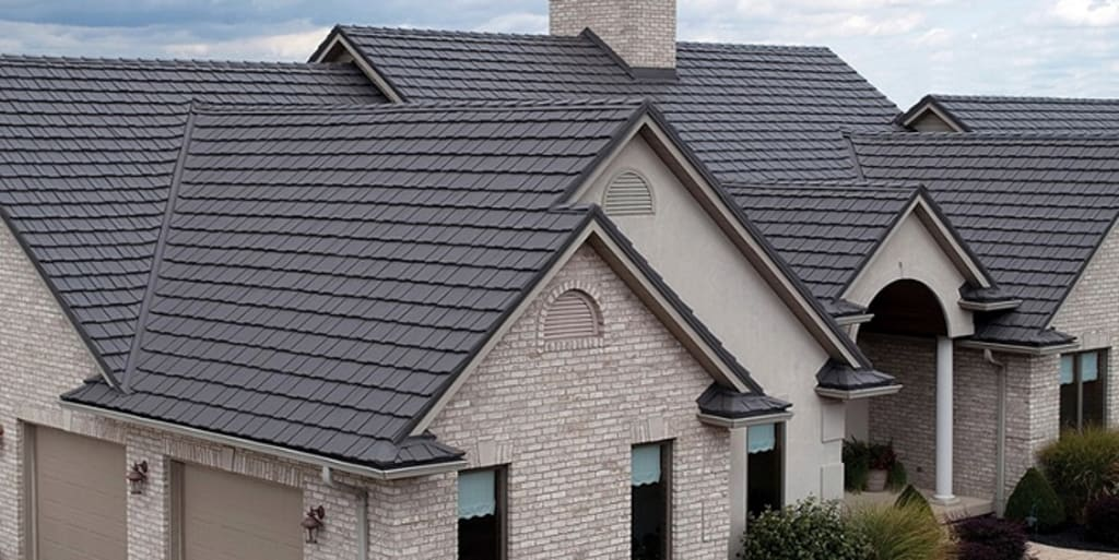 Metal Roof Pro's and Con's - Complete Guide
