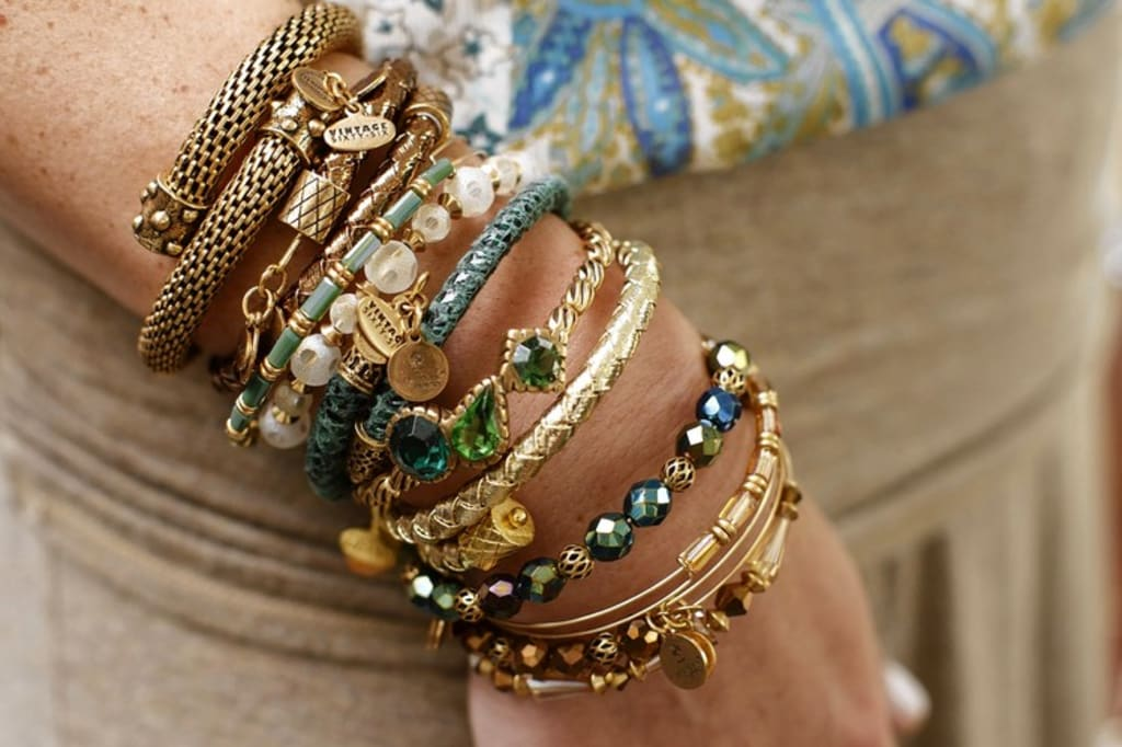 How to Choose a Gold Bracelet