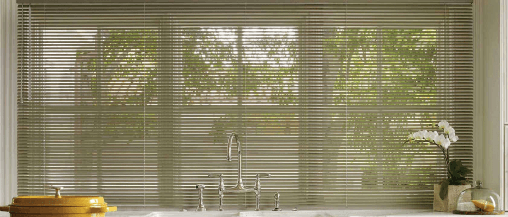 Things to consider while buying blinds and shades from online