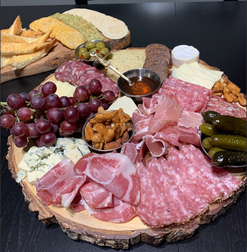 How To Make An Epic Charcuterie Board in 10 Steps.
