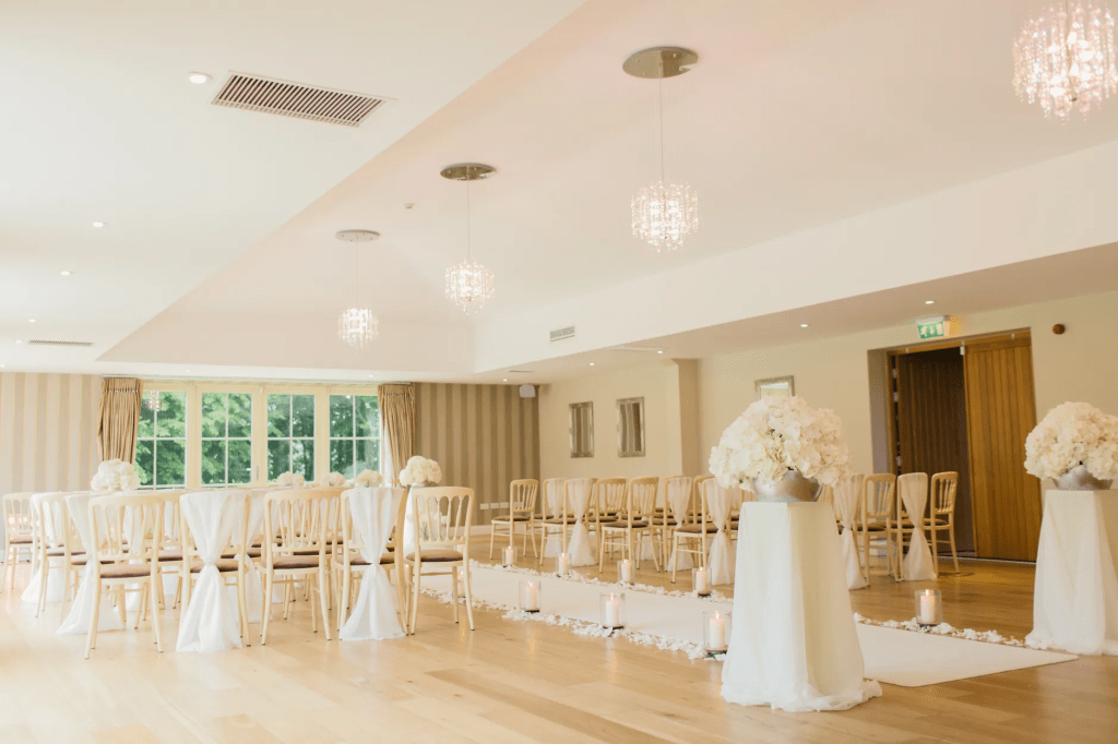 Helpful decoration tips for a wedding venue to make everyone go 'WOW'