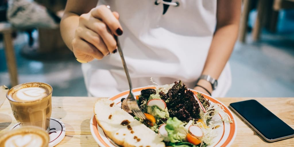 6 Reasons for Visiting a Therapist About Your Relationship With Food