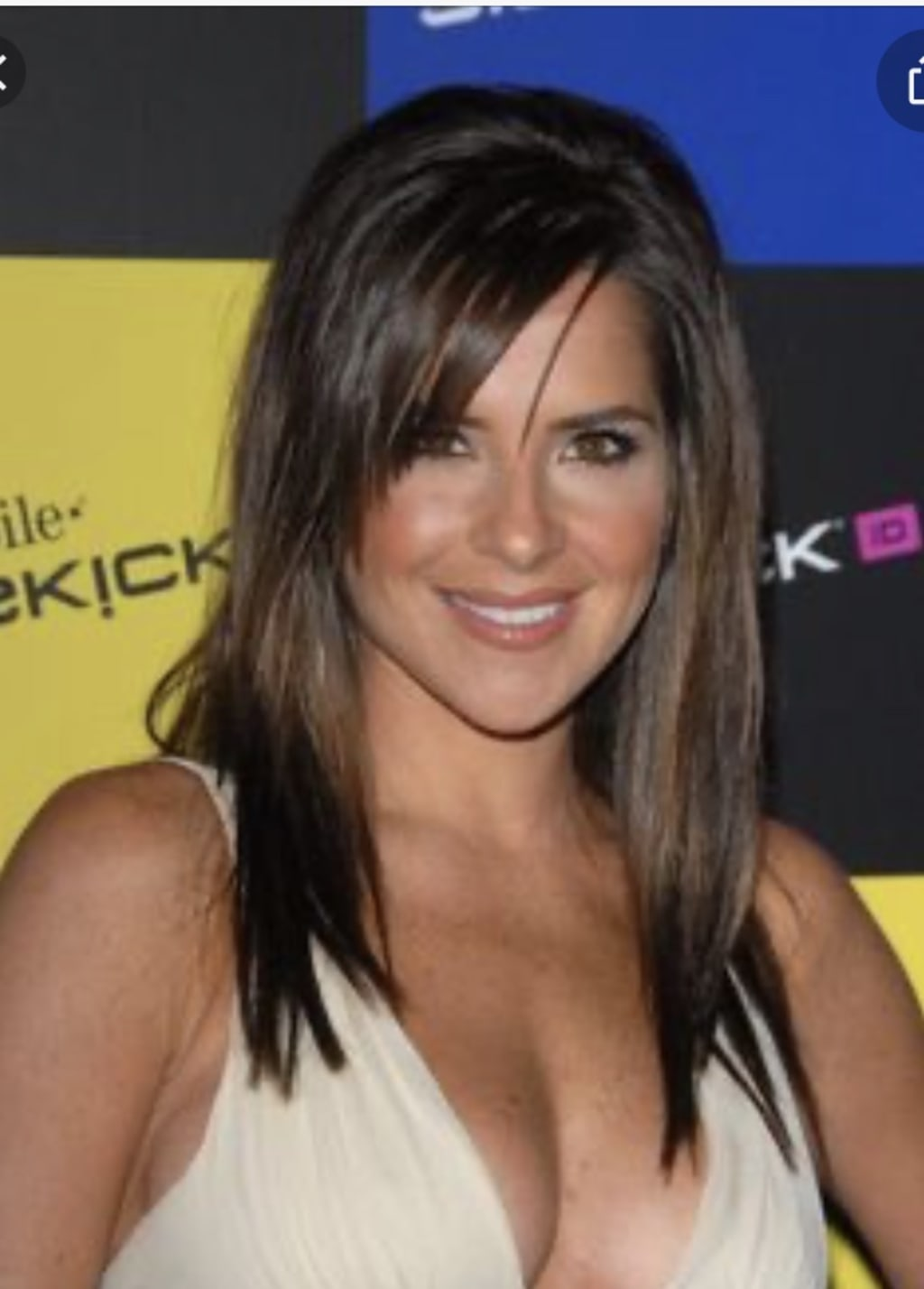 Kelly Monaco's mom reveals COVID mask triggered her claustrophobia