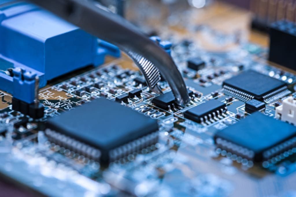 Introduction to Printed Circuit Boards and Applications of PCB's
