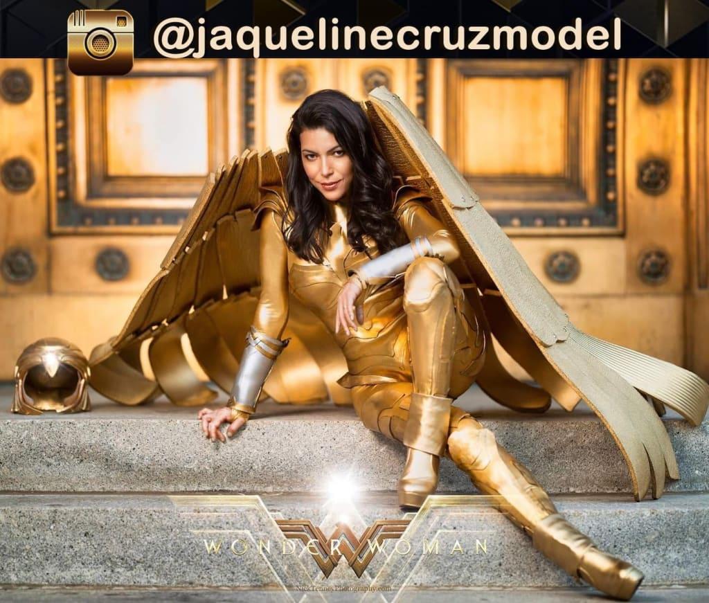 Wonder Woman 1984. A reckless golden eagle model.