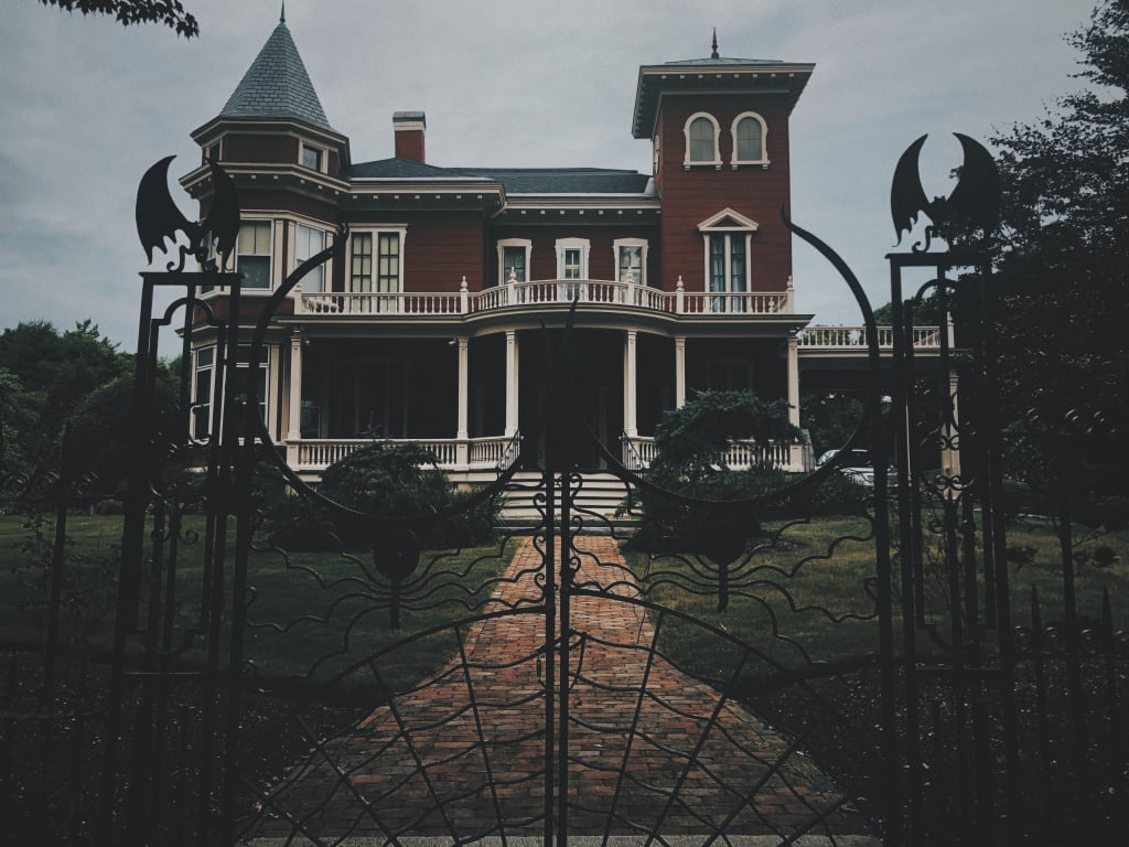 The Master of Horror's House