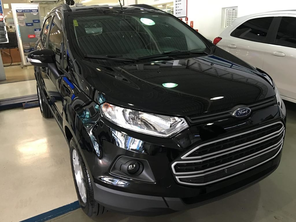 Take the Whole Family Along this Christmas in a Ford EcoSport