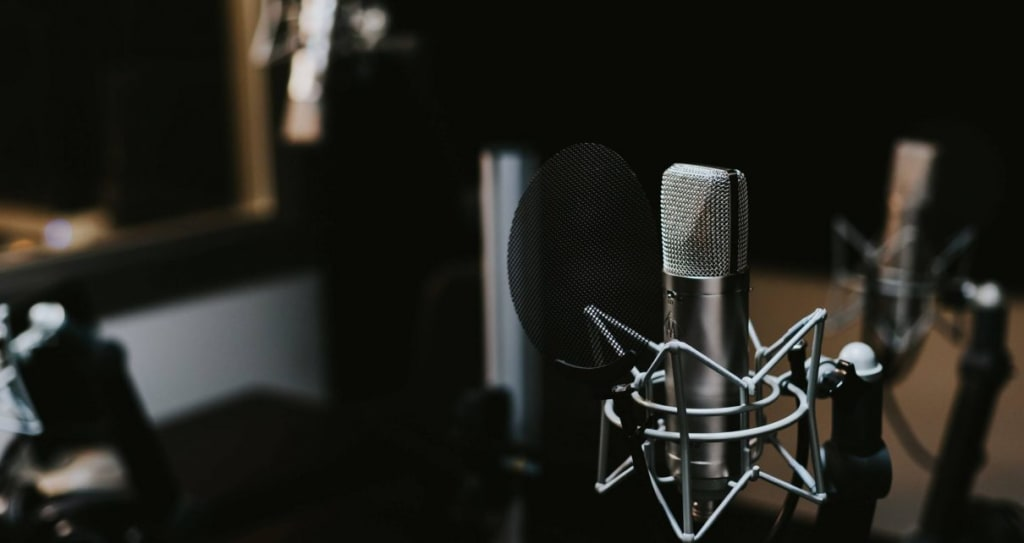 7 of the Best Podcasts About Investing