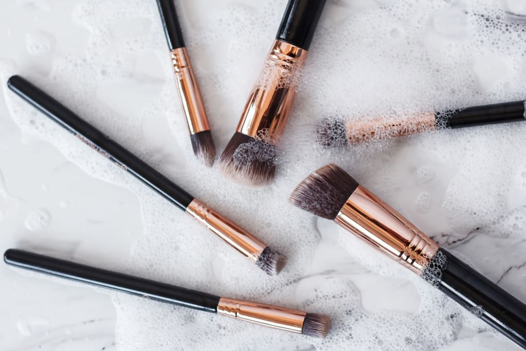 A Lazy Girl's Guide to Cleaning Your Makeup Brushes