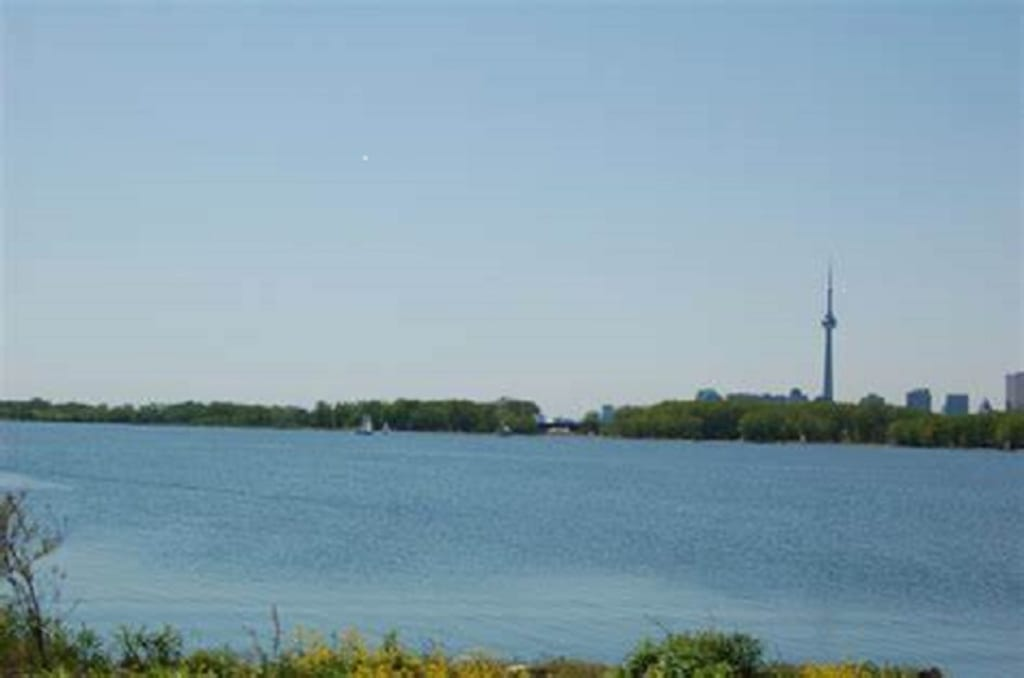 The day Toronto's Outer Harbour was quiet