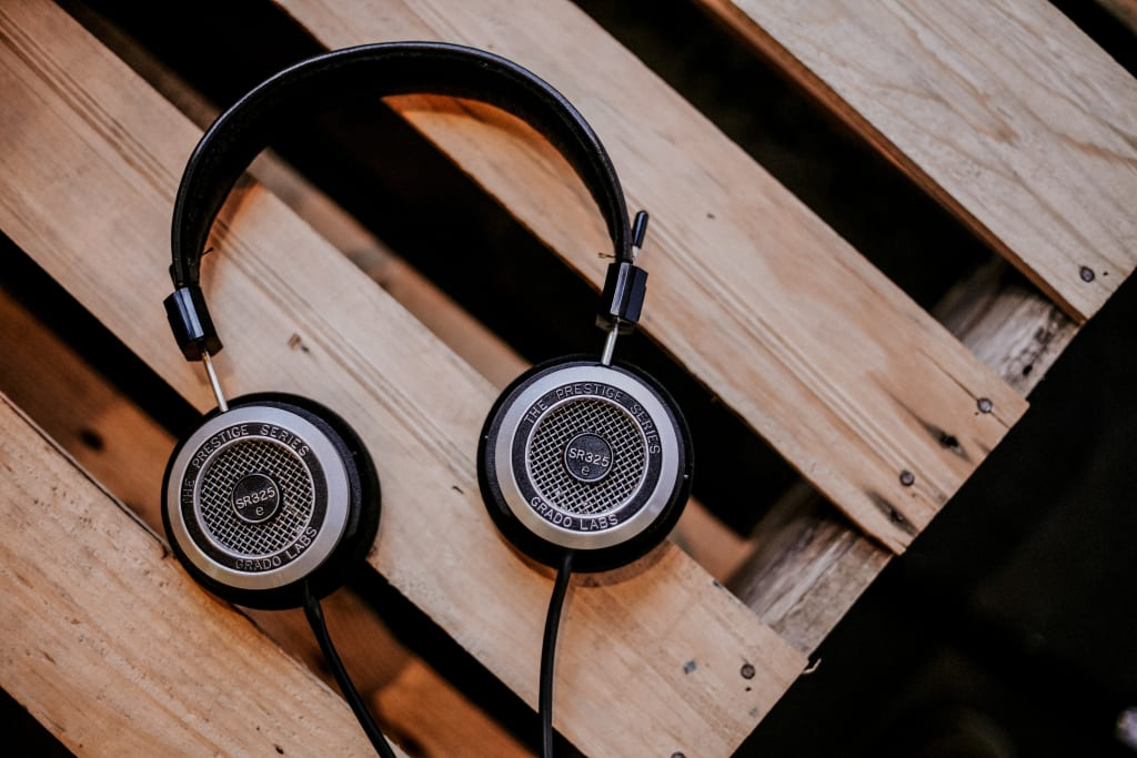 10 Best Songs to Listen to While Studying