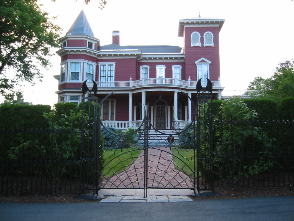 The Day I Saw Stephen King's House