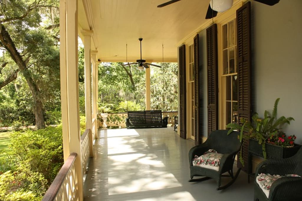 Essential Tips for Making Your Front Porch More Inviting