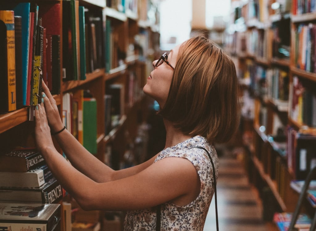 10 Must Read Economics Books