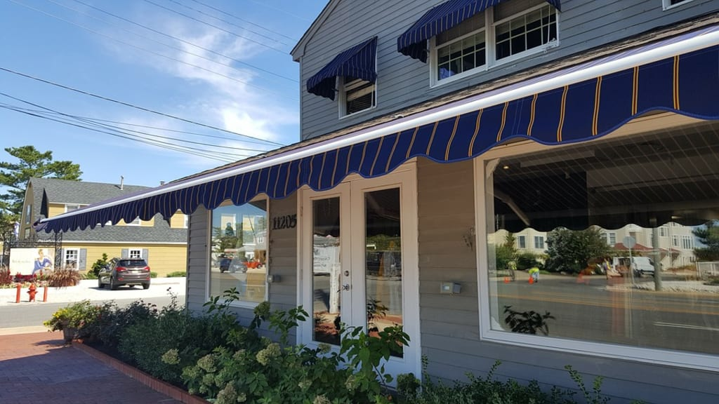 Three Tips on How to Choose the Right Awning for Your Home