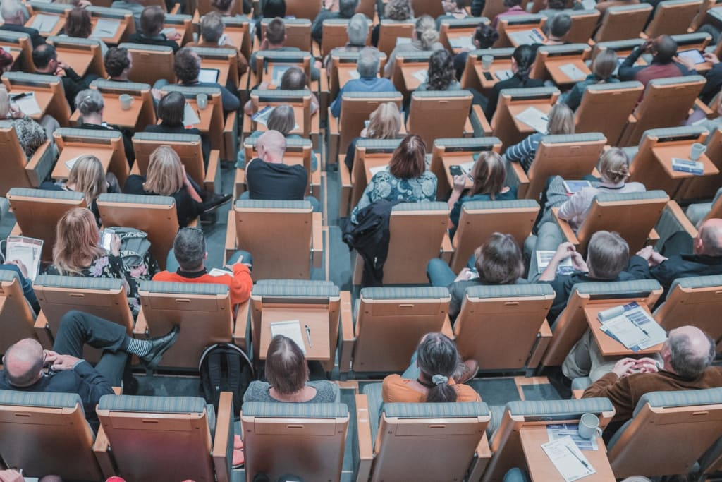 Classroom Schooling vs. Online Education